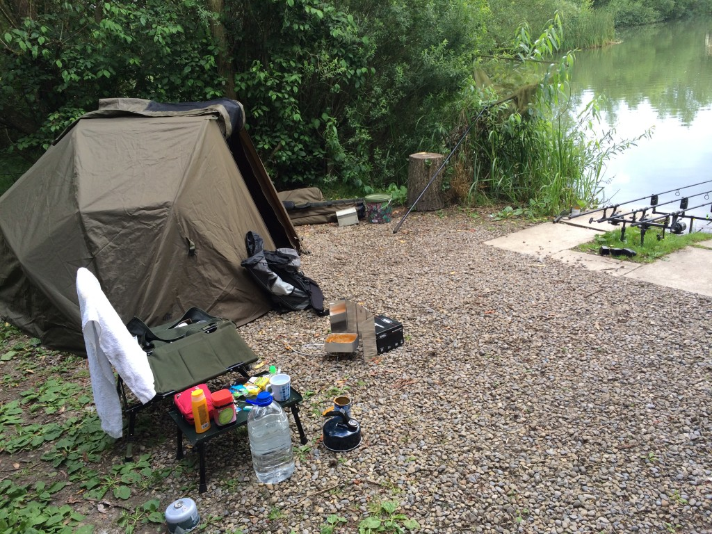 Gravelly, spacious pegs. As you can see I'm not the tidiest of anglers!